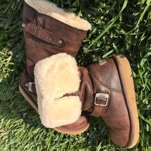 Ugg Sutter waterproof winter boots🍂size 8